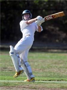 Cricket Hook shot using Cricket Bats - Khelmart.com